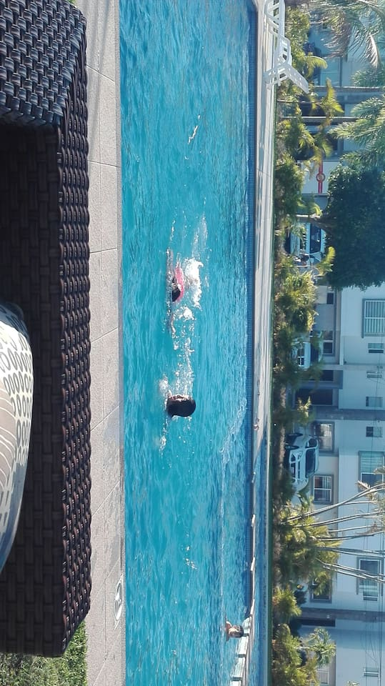 Es el area comun donde pueden estar tranquilos y disfrutar de la piscina