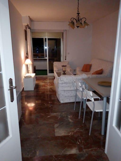 Coqueta habitaci n con piscina apartamentos en alquiler for Apartamentos en madrid con piscina
