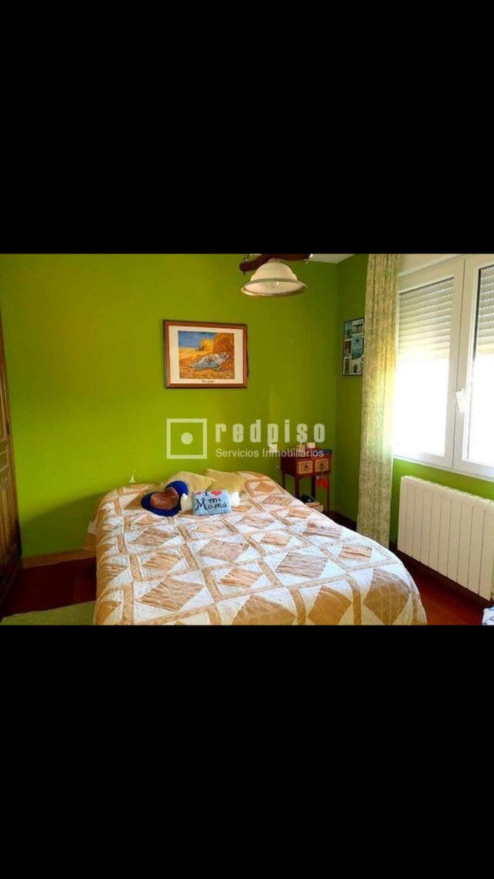 Rent 2 rooms for Champions league