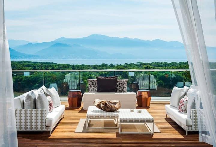 Grand Luxxe Presidential 'Punta' 3BR/4BA Villa