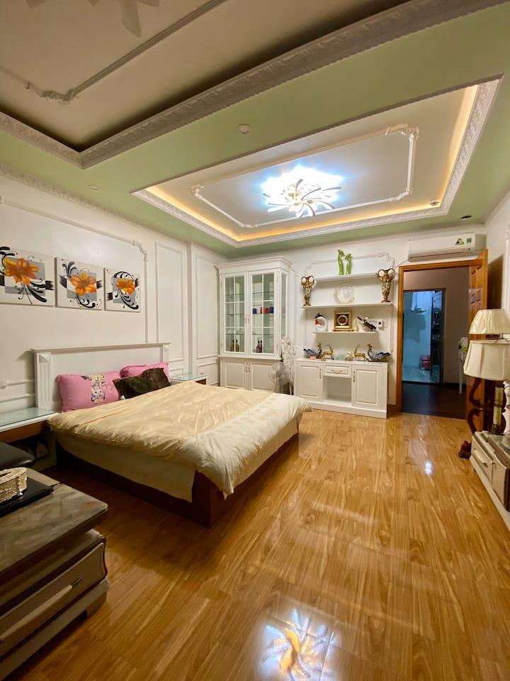 Khánh Phong House 22/193 VanCao for rent