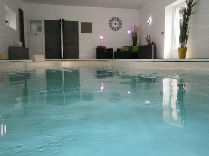 Gîte piscine et étang privés  plages débarquement