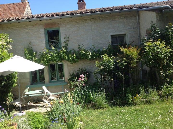 Authentique maison vigneronne du XVIIIème à Lys