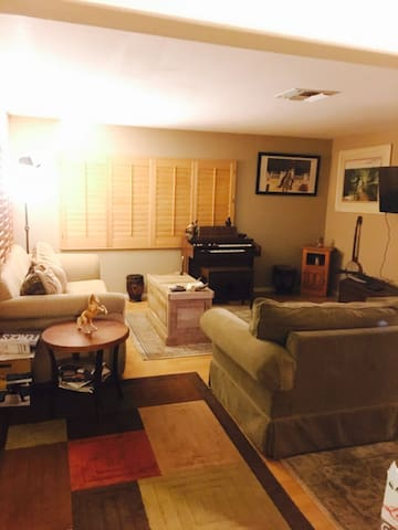 Dreamhorseranch $75 PerRoom 3 bedrooms available - Los Angeles - Maison