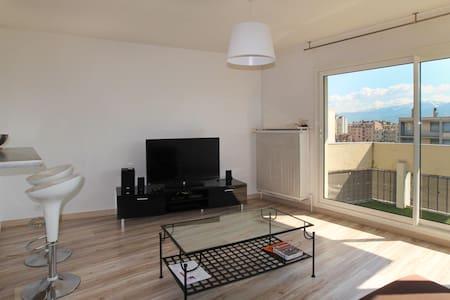 T2 lumineux et calme de 44m² face aux Alpes - Grenoble - Wohnung