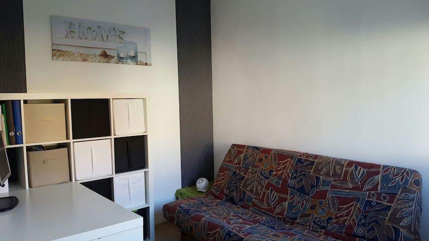 chambre en centre ville d'hénin beaumont - Hénin-Beaumont - House