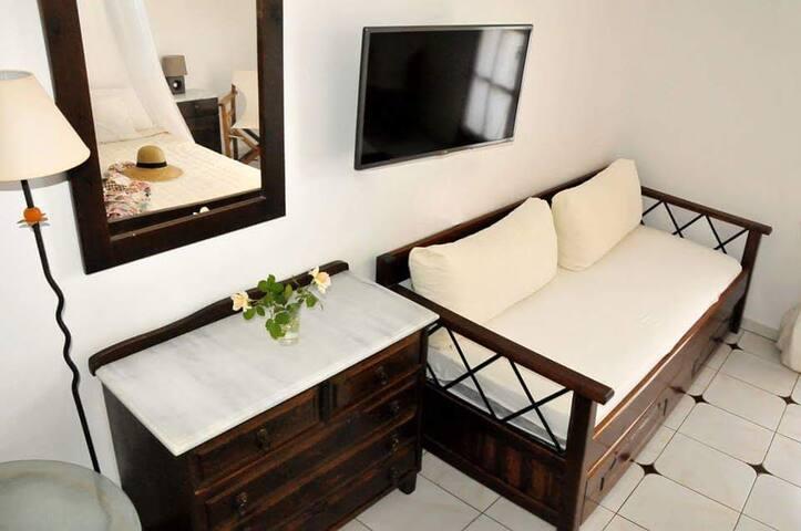 Kalli Apartments Skyros