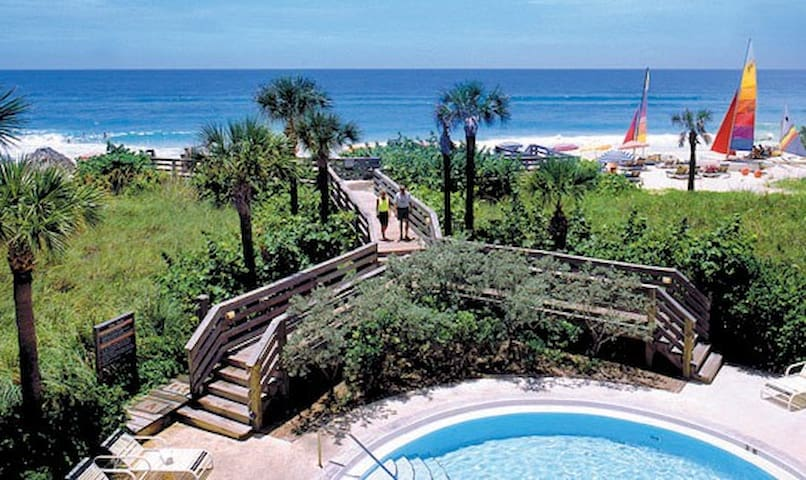 Beachfront 2 bed/2 bath Condo on Longboat Key - Longboat Key - Condomínio