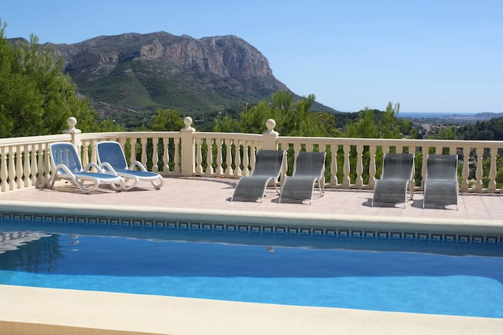 Villa, private pool, wifi, A/C sea view, La Sella.