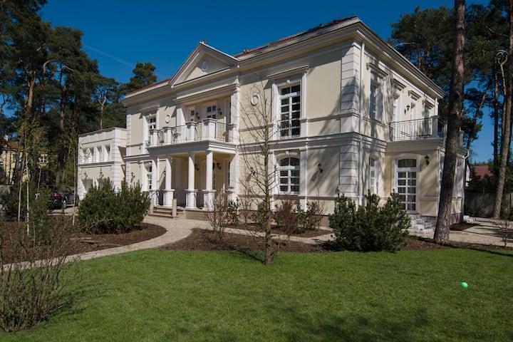 Piękny 800m dom w sercu Konstancina-Jeziornej