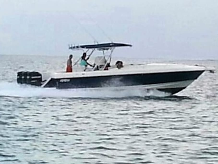 Powerboat 37' for rent per day