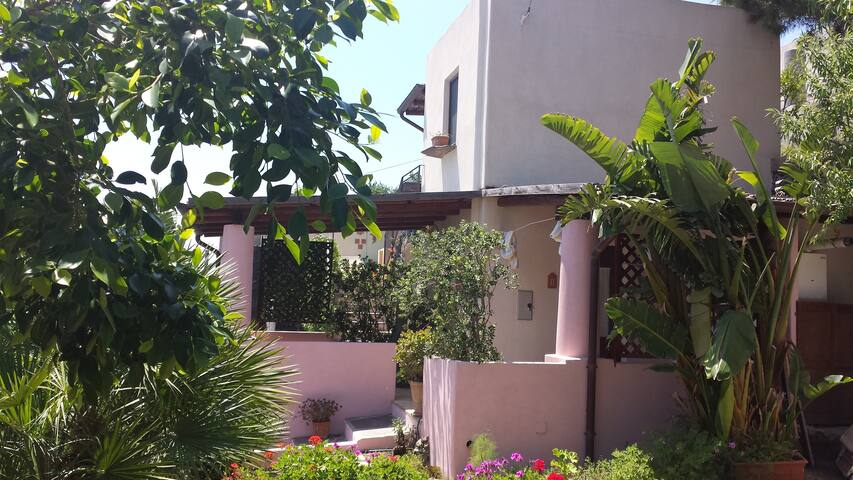 "Villa con giardino "" Acro Eoliano"" - Leni - Villa"