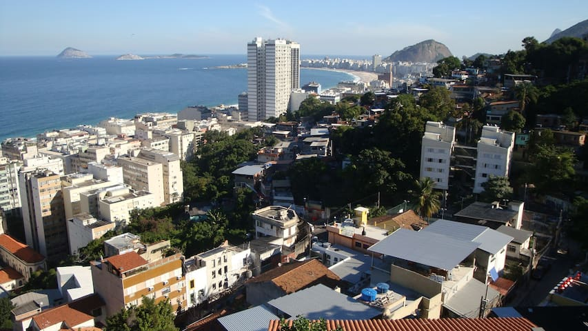 Aptm on top Copacabana (Morro Babilonia)
