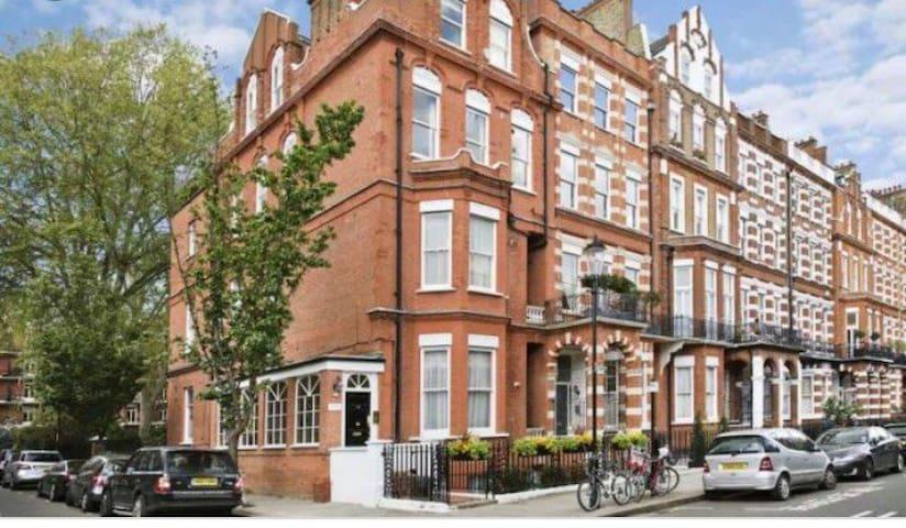 Modern double Kensington/Chelsea / Earls Court