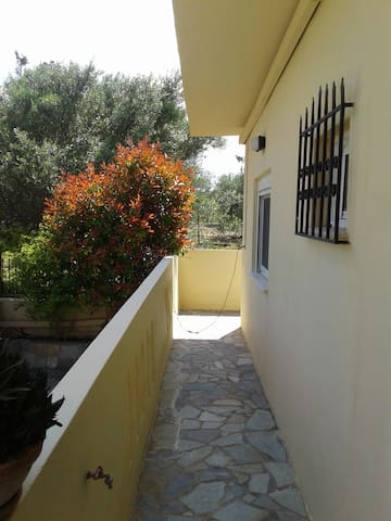 Into the heart of the nature-near the city-beach - Gournes - Apartamento