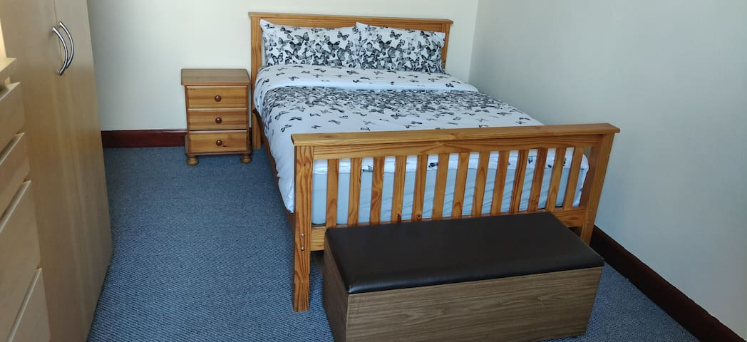 2 double King size bed on leithwalk