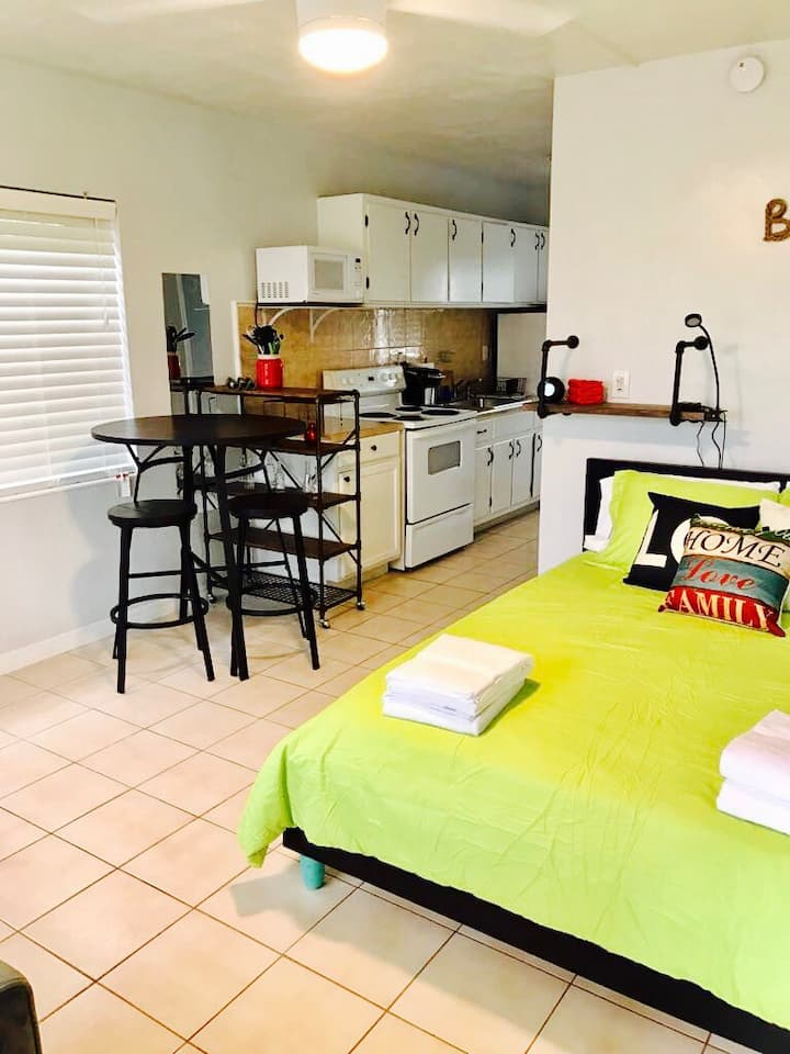 Apartment 14 - 1 mile from the beach!