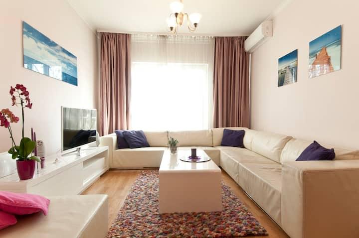 Chic & Boutique Apartment in Sofia's heart