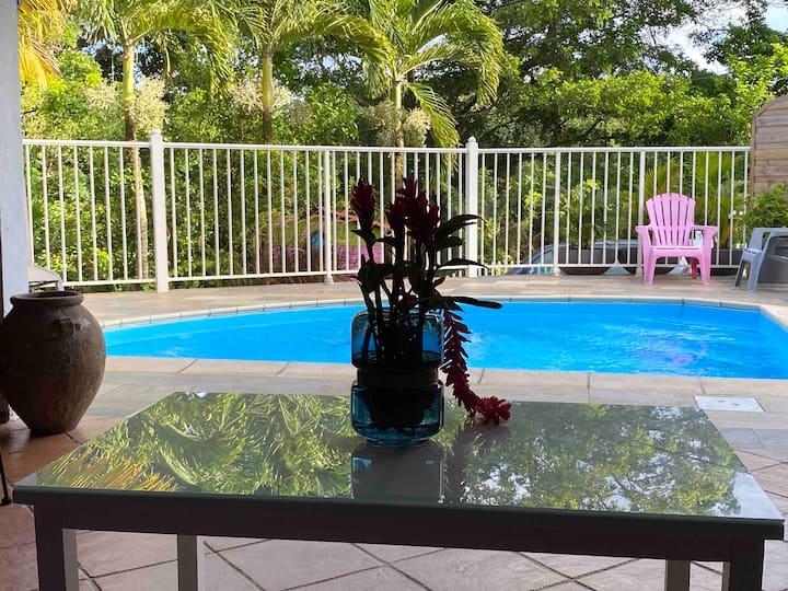 Douceur des Hauteurs bas de villa, piscine privée