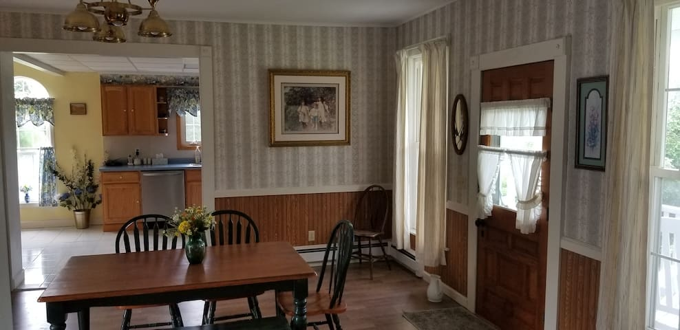 Pet Friendly Seneca Lake Country House & pond