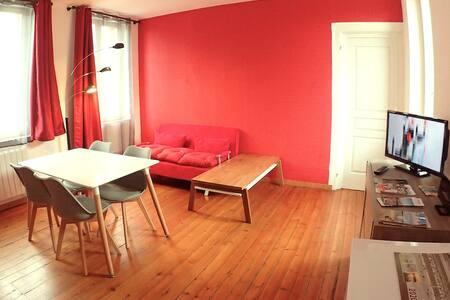 Suite grande chambre, cuisine, salle de bain