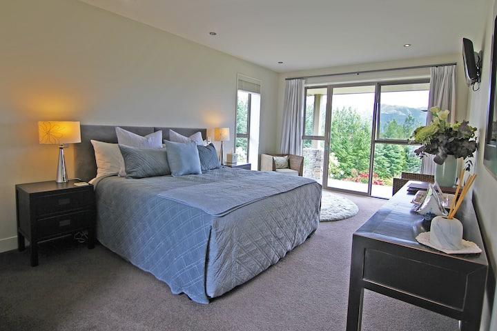 Amuri Estate Private Super-King Room