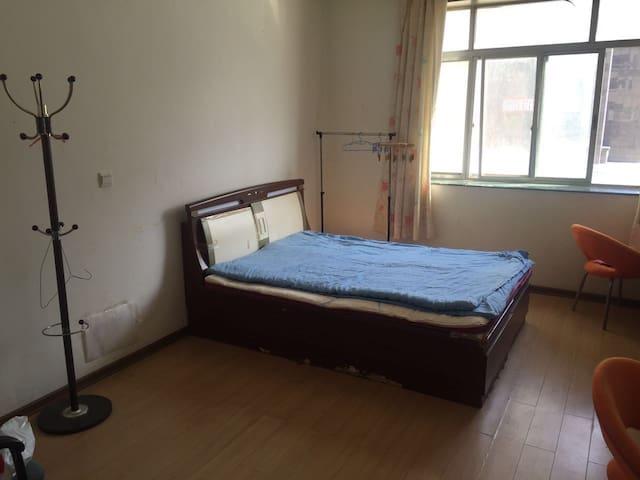 威大公寓一室一卫出租 - 威海市 - Wohnung