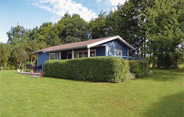 Holiday cottage with 3 bedrooms on 65 m² in Juelsminde