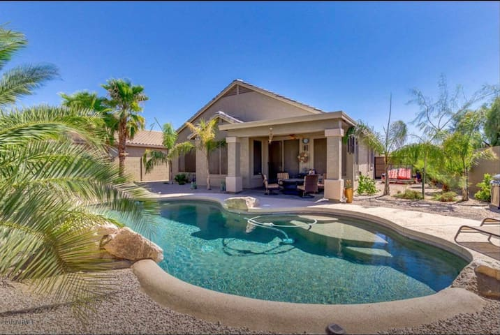 Peaceful Sonoran Home With Pool - Come Relax!