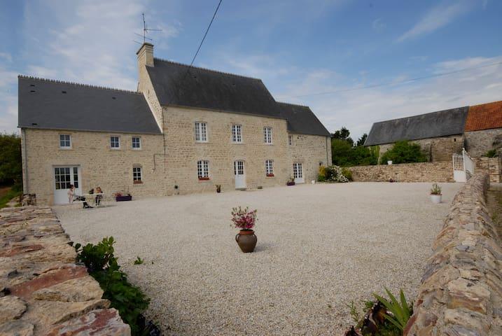 B&B Les Grandes Portes Normandy  - Flottemanville - ที่พักพร้อมอาหารเช้า