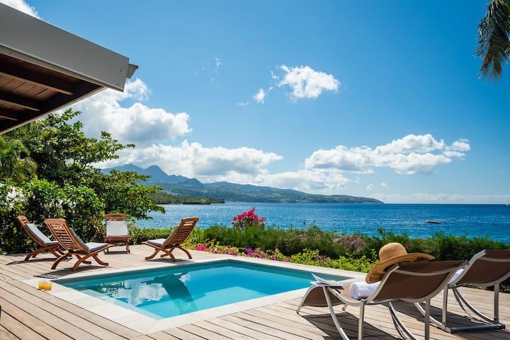 Peaceful villa on the beach : Little beach house