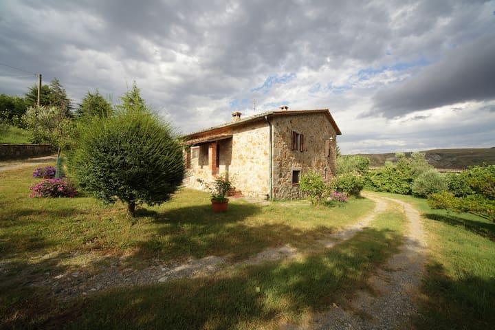 In Toscana, V.d'Orcia, Amiata - Abbadia San Salvatore - Casa