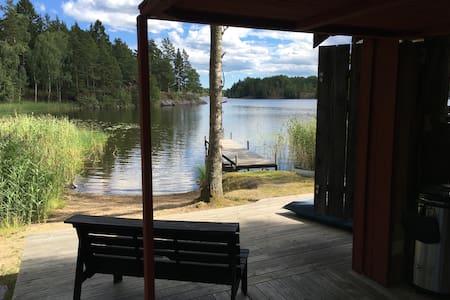 Log cabin on private lakeside property, Stockholm - Södertälje - Blockhütte