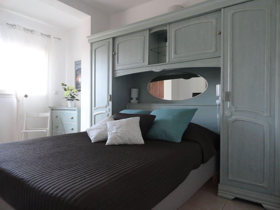 Chambre lit 140 X 200 cm neuf