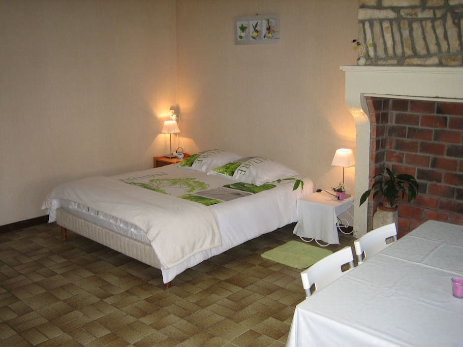 entrains sur nohain asian singles It includes a double bed and a single one explore other options in and around entrains-sur-nohain more places to stay in entrains-sur-nohain.