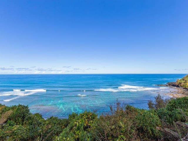 Stunning Oceanfront Princeville Condo 2BR, 2BA