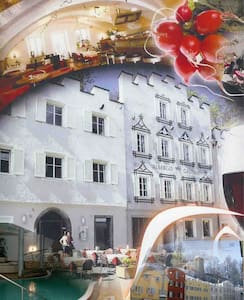 Little Gasthof in Center of Bruneck - Brunico - B&B