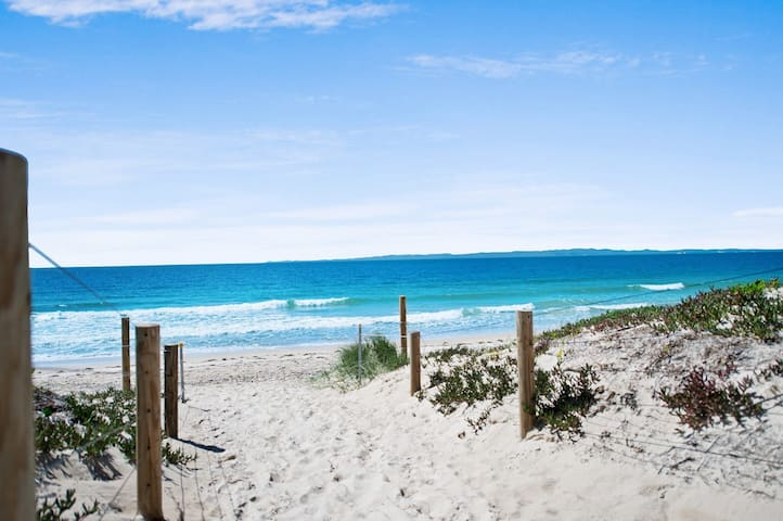 Walk to Surf Beach - Ground floor apartment - Bribie Horizons Boyd St, Woorim
