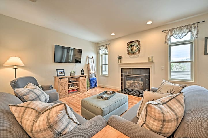 NEW! Condo w/Community Perks, 5 Min to Ski Quechee
