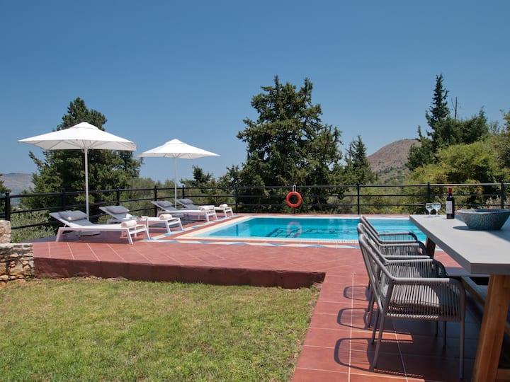 Villa Artemis, Vrisses, Crete