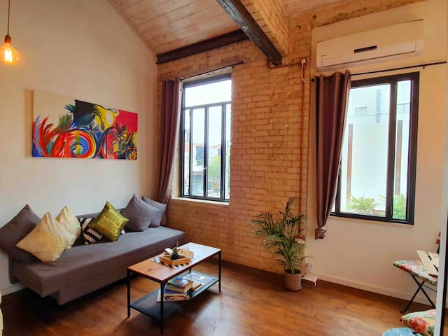 ✨Authentic Loft Studio in the Heart of T.A✨