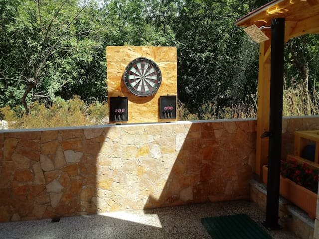 (NEW PHOTO) OUTDOOR SHOWER AND DARTS AT HOT TUB AREA