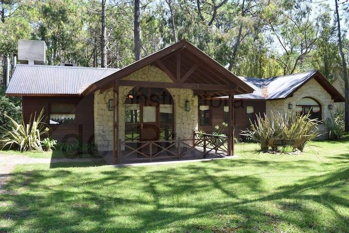 Acogedora casa en el bosque de Cariló
