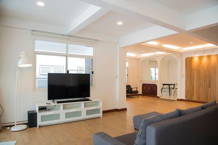 217 Bang Phlat House
