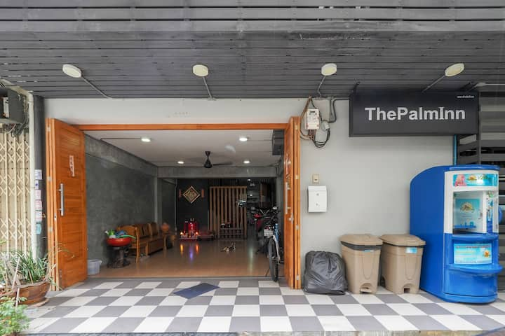 The Palm (Attractive discounts on long stays)