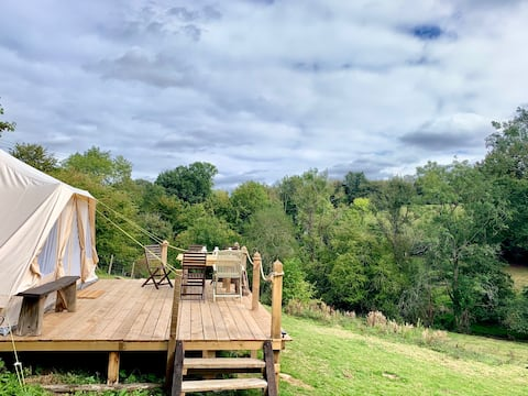 Private Glamping, Exclusive Field Hire with a View
