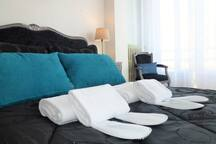 Bed linens and towels provided