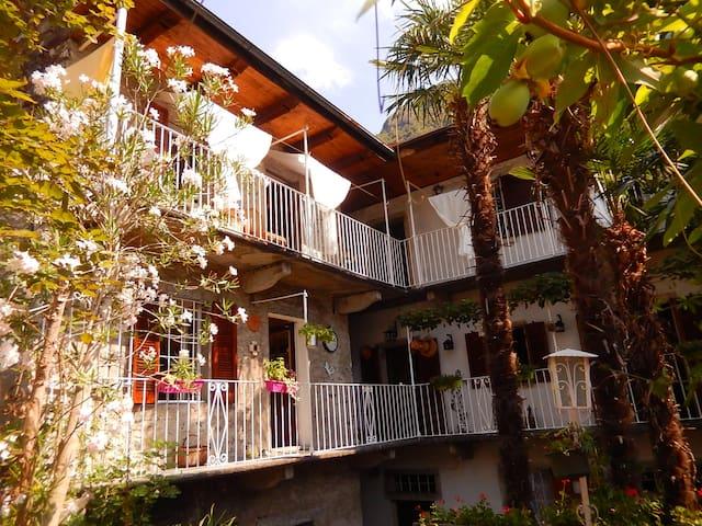 Guest House villa Clelia*** lakes & montains