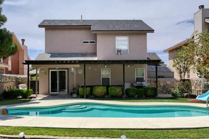 **** Charming El Paso Haven Destination w/Pool****