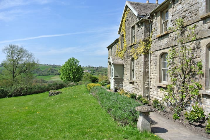 Stunning Views, Beautiful Cottage Near Bath (PTC) - Colerne - Casa